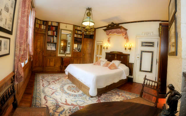 bed & breakfast chambre ' Balzac's Library ' argentier du roy